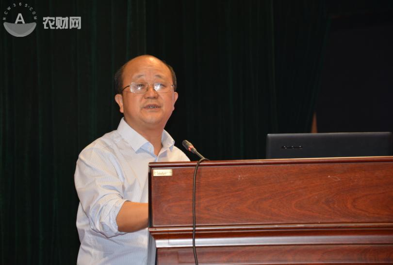 中国种子协会副会长兼蔬菜分会会长、北京市农科院蔬菜中心主任许勇.JPG.png